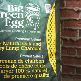 Big Green Egg - The Ultimate Cooking Experience - Premium Select - 100% Natural Oak and Hickory Lunp Charcoal